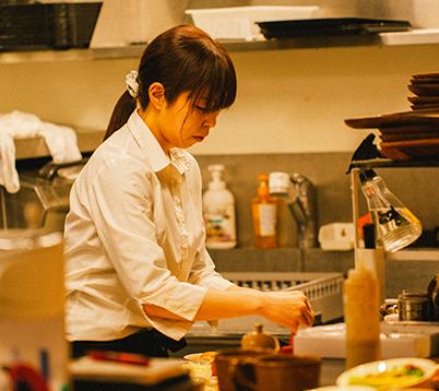 喫茶店での調理補助